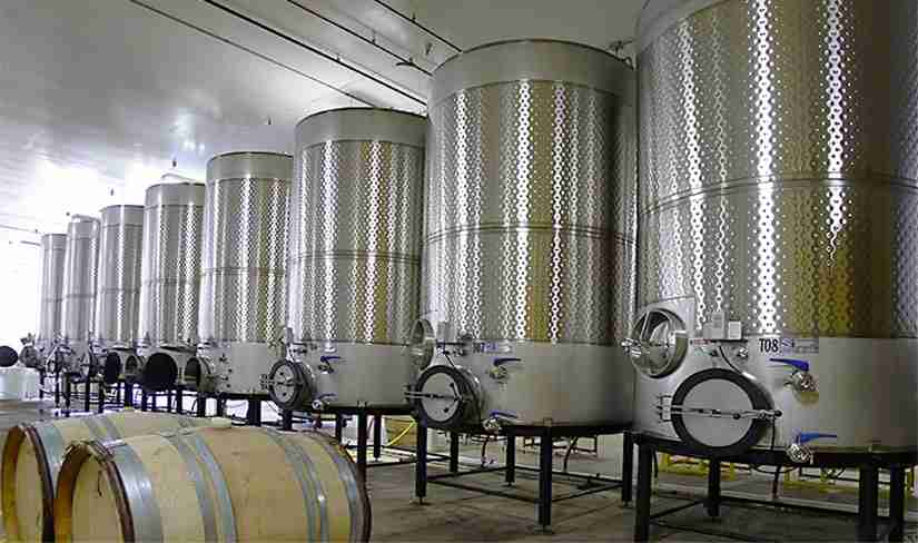 Nitrogen generators for winemaking